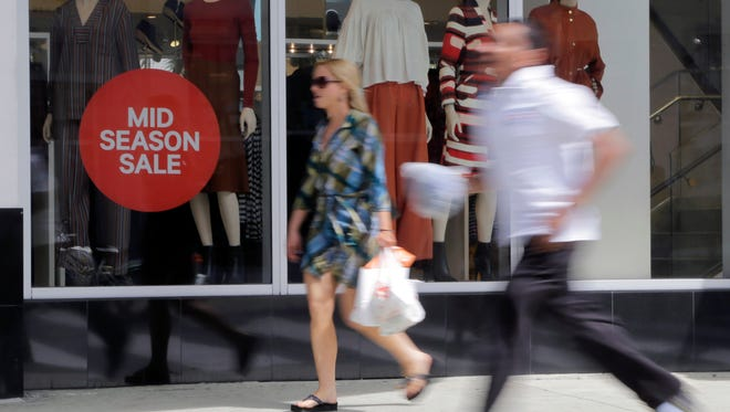 Rising consumer confidence can foreshadow stronger retail sales.