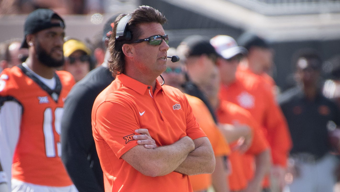 Oklahoma State coach Mike Gundy offers to pay for public school security