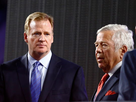 Patriots owner Robert Kraft (right) alongside NFL commissioner Roger Goodell after beating the Seattle Seahawks in Super Bowl XLIX at University of Phoenix Stadium.