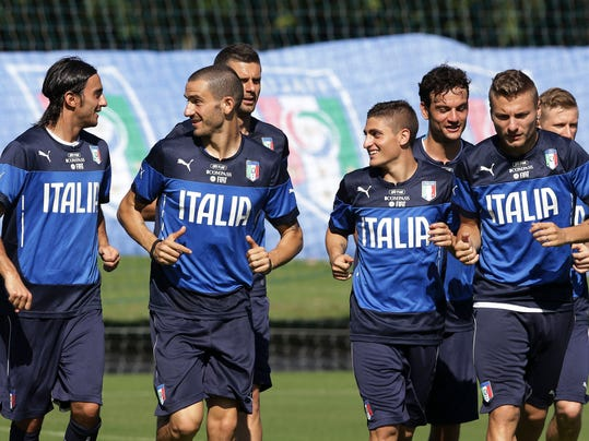 Italy's players train in Mangaratiba, Brazil, Tuesday, June 17, 2014. Italy plays in group D at the 2014 soccer World Cup. (AP Photo/Antonio Calanni)