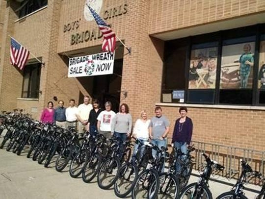 More than 100 employees from the Plexus Neenah Design