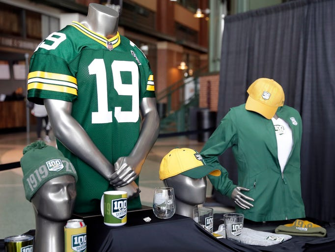 Merchandise with the Green Bay Packers 100 seasons