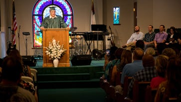 Speakers tout faith, call on seniors to be example in ceremony after Santa Fe shooting