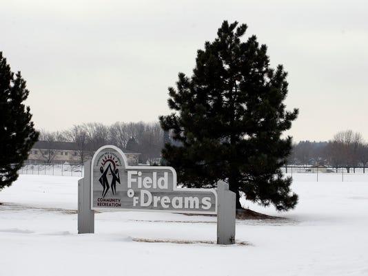 she n Field of Dreams and Aurora Health Care 0207_gck-02.JPG