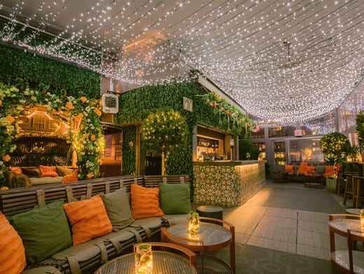 Holiday Themed Pop Up Bars And Restaurants Across The Usa