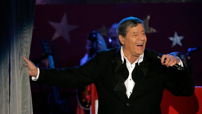 Jerry Lewis performs on  the MDA telethon on Sept. 5, 2005.