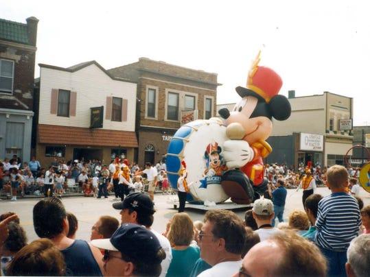 #5 420-396-13 Disney Parade 1998