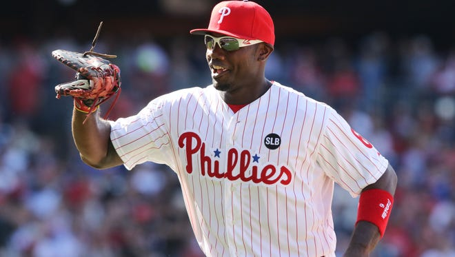 Phillies first baseman Ryan Howard is coming to Vineland to sign his two books.