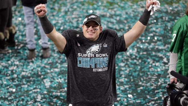 Feb 4, 2018; Minneapolis, MN, USA; Philadelphia Eagles tight end Brent Celek (87) celebrates after defeating the New England Patriots in Super Bowl LII at U.S. Bank Stadium. Mandatory Credit: Brad Rempel-USA TODAY Sports ORG XMIT: USATSI-379364 ORIG FILE ID:  20180204_cja_ai9_286.JPG