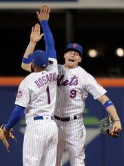 New York Mets left fielder Brandon Nimmo (9) and shortstop