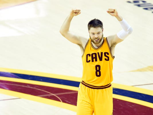 Cavs' Matthew Dellavedova released from hospitalized after dehydration treatment