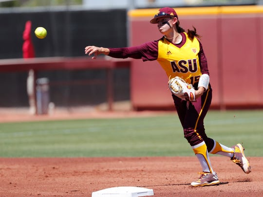 Arizona State shortstop Jade Gortarez (15) throws out an Oregon runner at first base during Pac-12 play at Farrington Stadium in Tempe, Ariz. April 15, 2018.