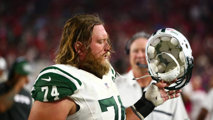 Jets owner shows NFL's hypocrisy after Mangold cut