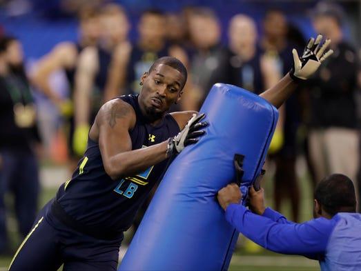 Vanderbilt linebacker Zach Cunningham runs a drill