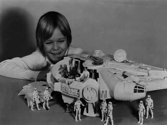 Kenner's 'Star Wars' Millennium Falcon playset let