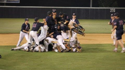 Magnolia Heights celebrates its fifth straight baseball state championship.