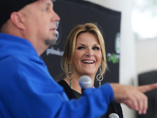 Garth Brooks and Trisha Yearwood at the press conference