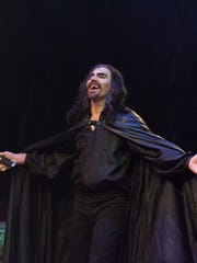 "Howard Kaye in ""Dracula"" at Actors Theatre of Louisville."