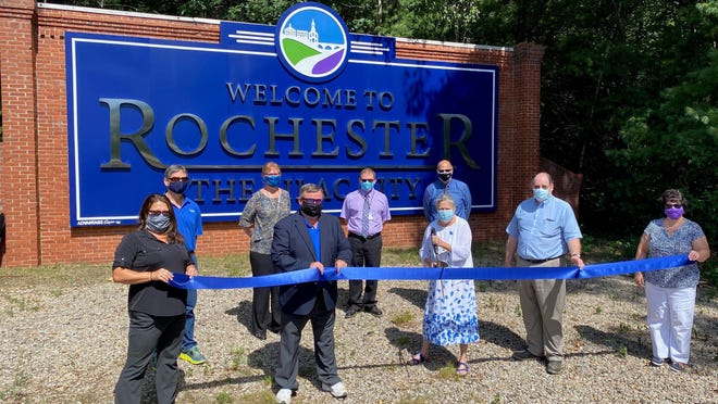 The Greater Rochester Chamber of Commerce led a ribbon-cutting ceremony in celebration of the new Welcome to Rochester sign on Route 16.
