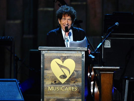 Bob Dylan accepts the 2015 MusiCares Person of the