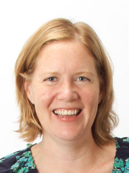 Gwen Daverth Headshot