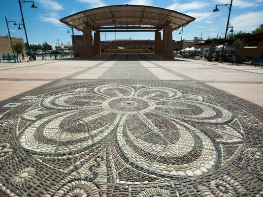 092116 Plaza de Las Cruces