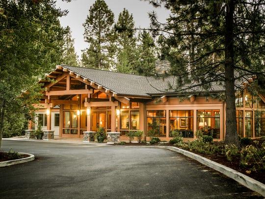 Seventh Mountain Resort lies between Bend and Mt. Bachelor,