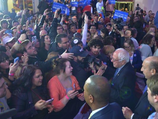 635899989610702844-2016-Feb-1-Caucus-Night-Bernie-8.jpg