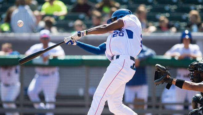 Tennessee Smokies outfielder Trey Martin (25) swings at a pitch during the game between the Tennessee Smokies and the Jackson Generals at Smokies Stadium on Wednesday, April 11, 2018.