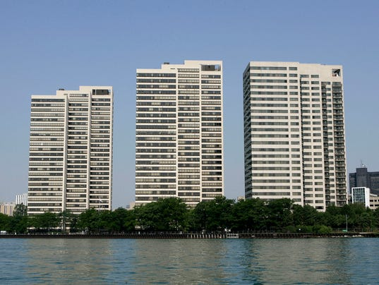 636427346000124357-Riverfront-Towers.jpg