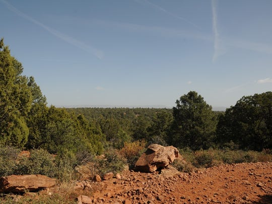 The view of the Mogollon Rim from Forest Road 67. You can walk along this road to extend your American Gulch North Trail hike.