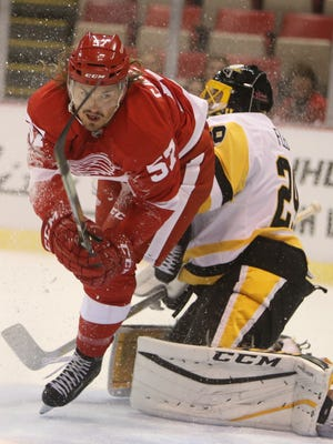 Red Wings forward Mitch Callahan in a 2016 exhibition game against the Penguins at Joe Louis Arena.