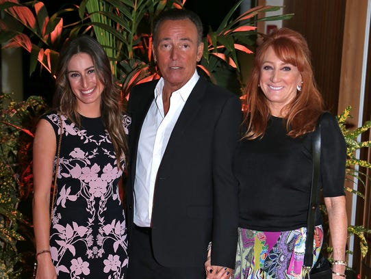 Jessica Springsteen and her parents, Bruce Springsteen