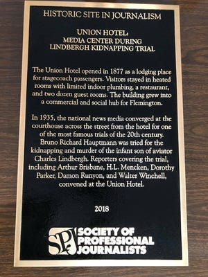 The plaque given by the Society of Professional Journalists commemorating the Union Hotel's role in the history of journalism.
