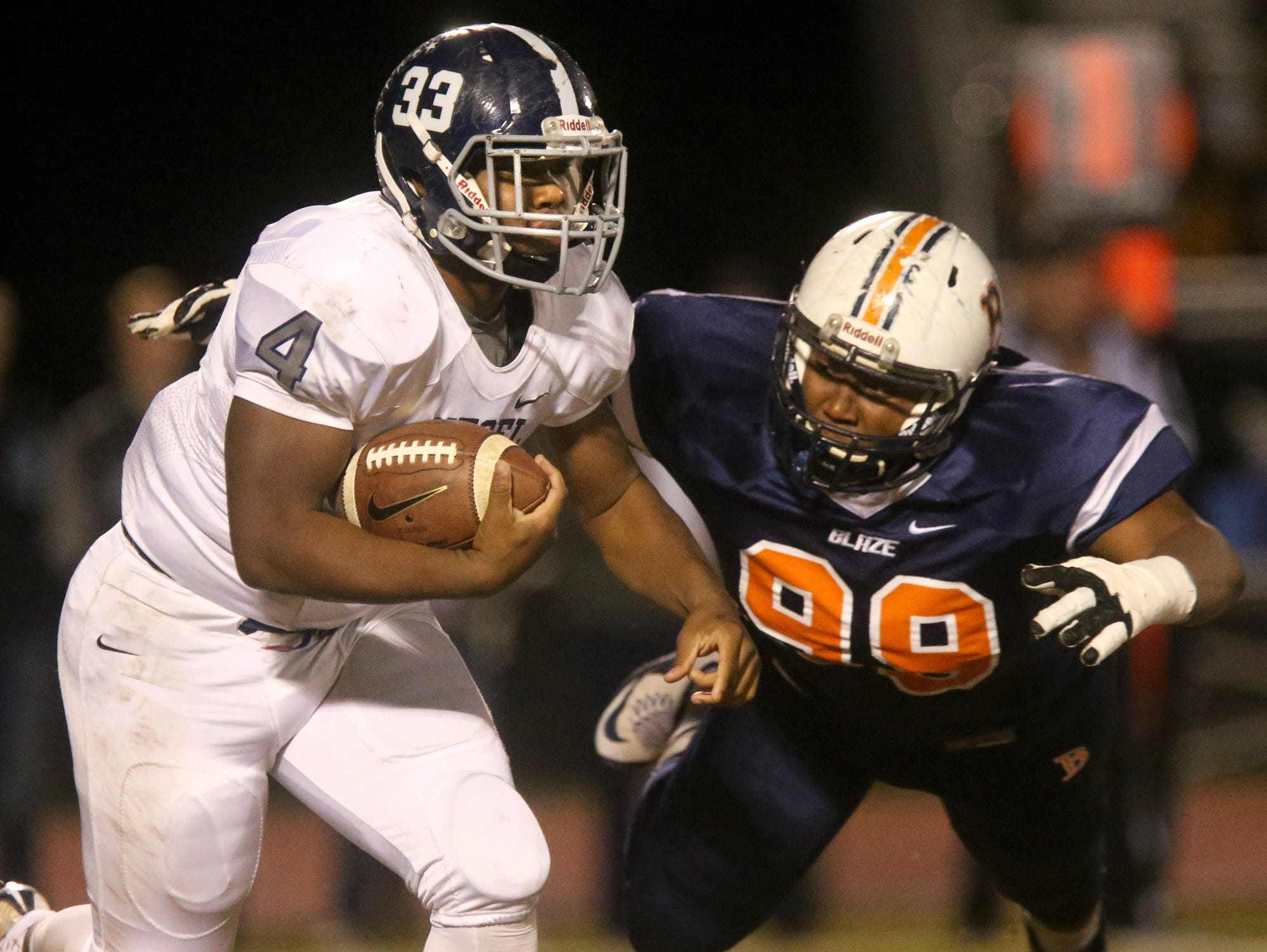 Siegel's Rodney Murray (4) will be the Stars' top back in 2016.