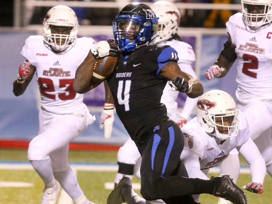 MTSU's I'Tavius Mathers (4) became the first player