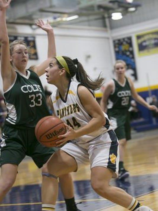 636522569293863626-Girls-Basketball---Tharby-33-Kinn-Reda-11---Karen-Mancinelli.jpg