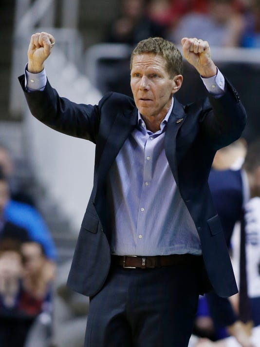 Gonzaga head coach Mark Few signals from the bench during the second half of an NCAA Tournament college basketball regional final game against Xavier Saturday, March 25, 2017, in San Jose, Calif. (AP Photo/Tony Avelar)