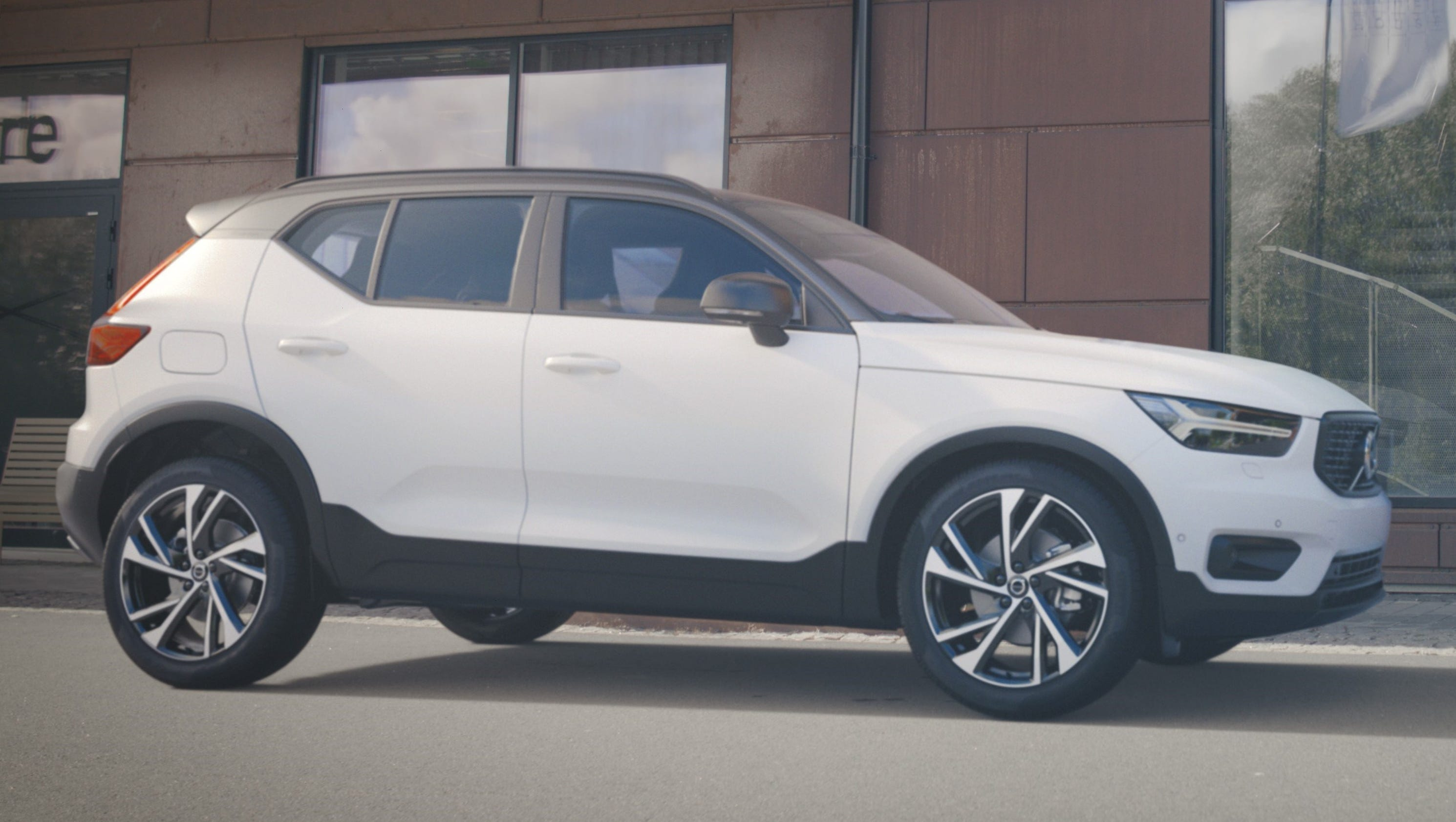 volvo offers details on its new compact suv. Black Bedroom Furniture Sets. Home Design Ideas