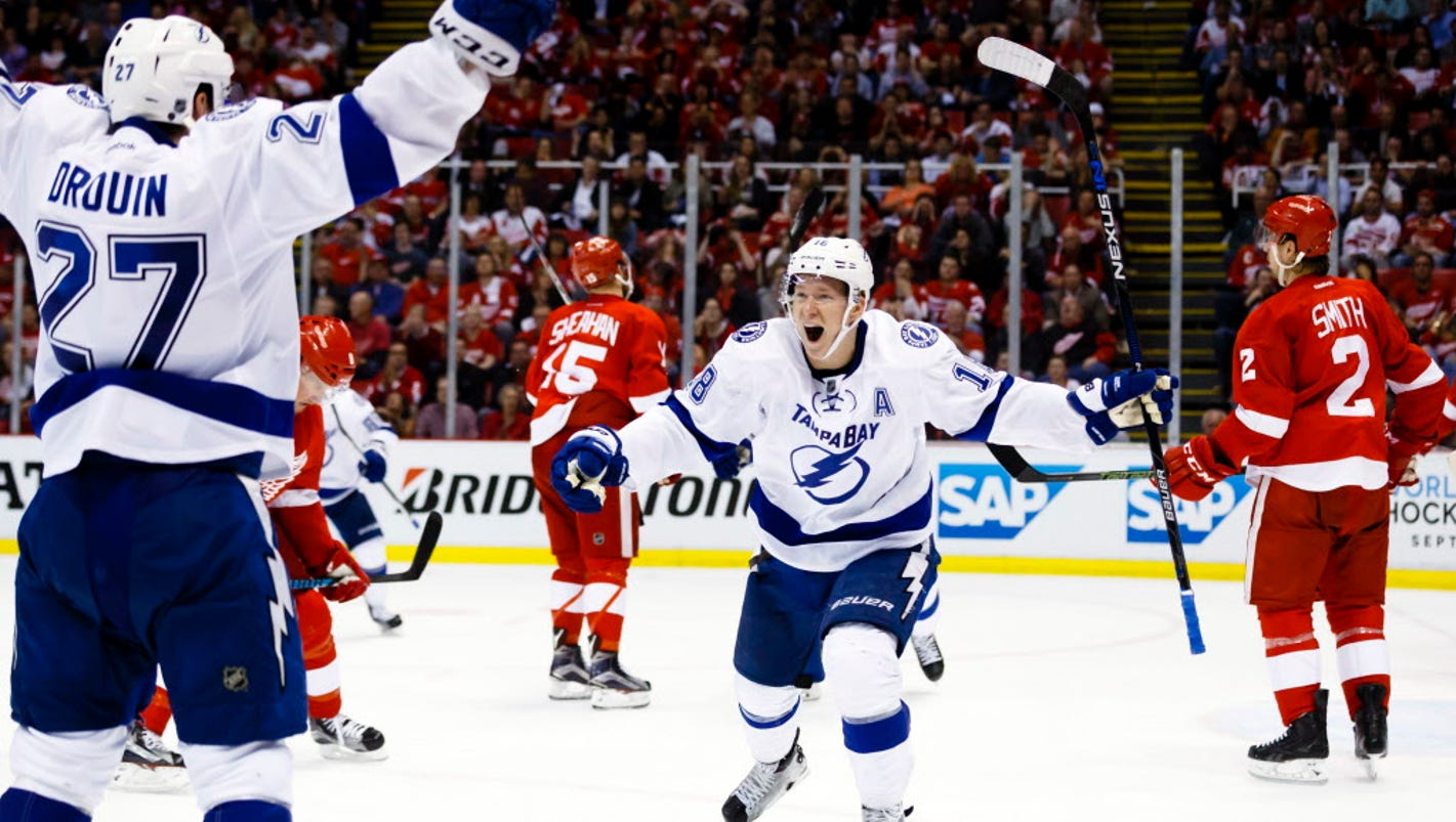 636356555231463120-usp-nhl-stanley-cup-playoffs-tampa-bay-lightning-81347159