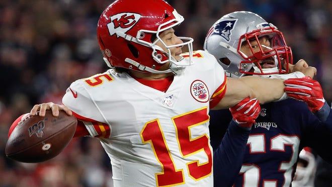 Patriots linebacker Kyle Van Noy pressures Kansas City Chiefs quarterback Patrick Mahomes. Winslow Townson-USA Today Sports]