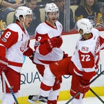 Red Wings keep faint playoff hopes alive with 5-2 win in Pittsburgh