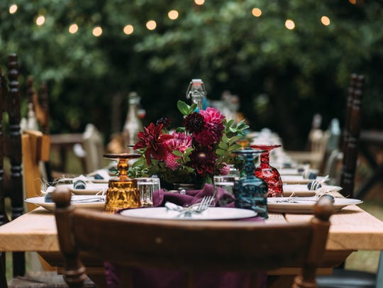 Kelly Welk partners on her dinners with Carolyn Thompson,