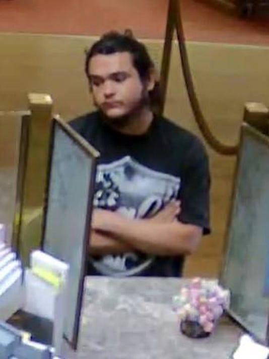 636554987184659612-suspect-BOS.jpg