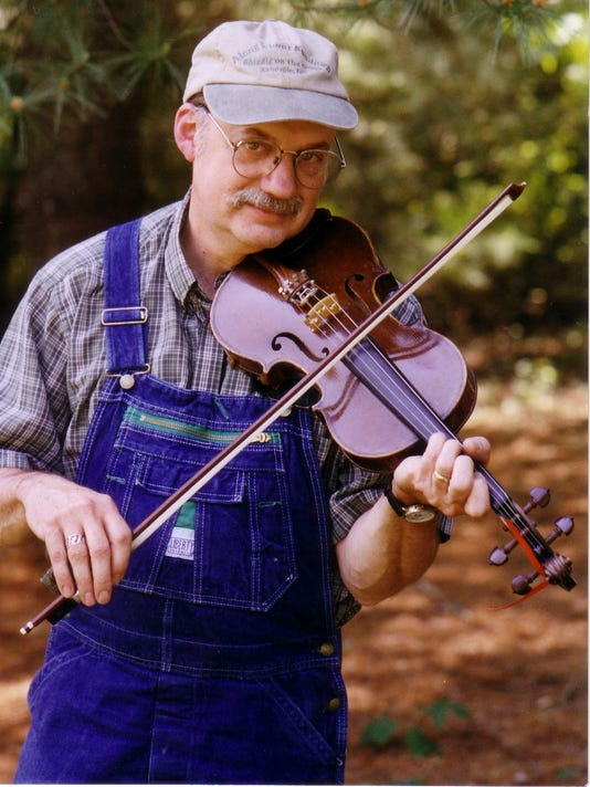 mm-Roger-Howell-Fiddler.JPG
