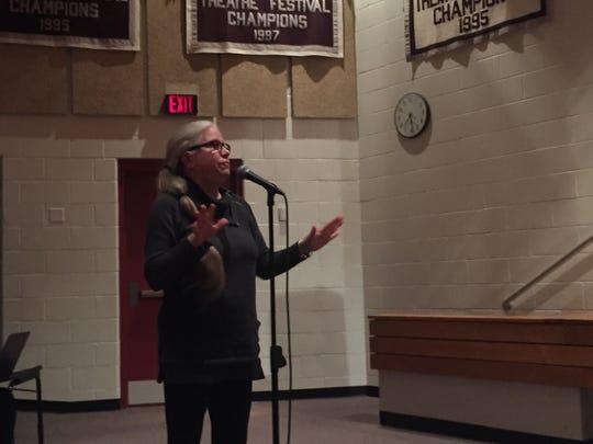 Deb Torguson Pollio of Melfa speaks during a public