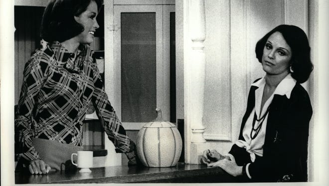 "CBS Mary Tyler Moore (left), starring as Mary Richards, explains to Rhoda (Valerie Harper) that her problem at the television staion is firing on egotstical sports announcer who thinks she is romantically interested in him, on ""The Mary Tyler Moore Show"" Saturday, June 1 (9:00-9:30 PM, EDT) on the CBS Televsion Network. (Rebroadcast)"