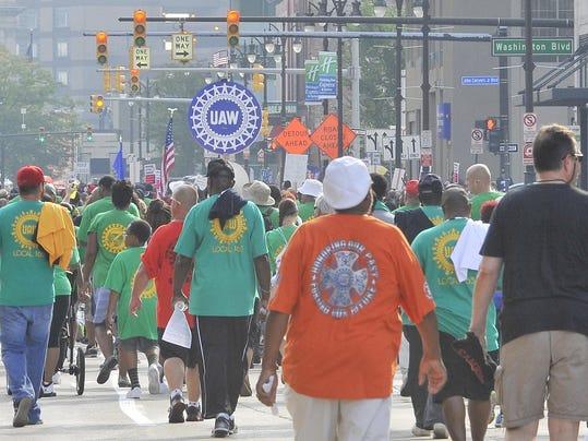 2015-0907-dm-laborday-parade1732