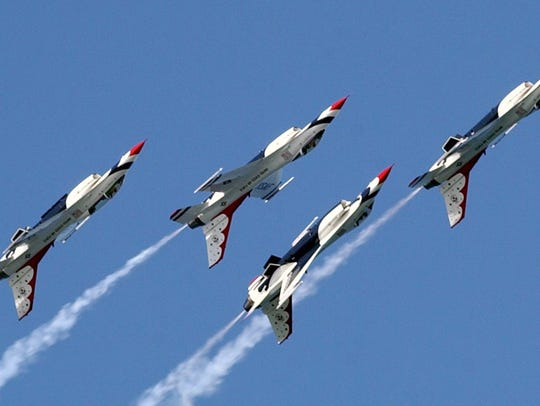 The Thunderbirds fly their F-16C/D's upside-down as