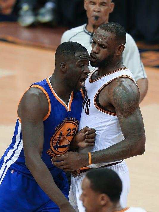 636013383573376498-AP-NBA-Finals-Warriors-Caval.jpg